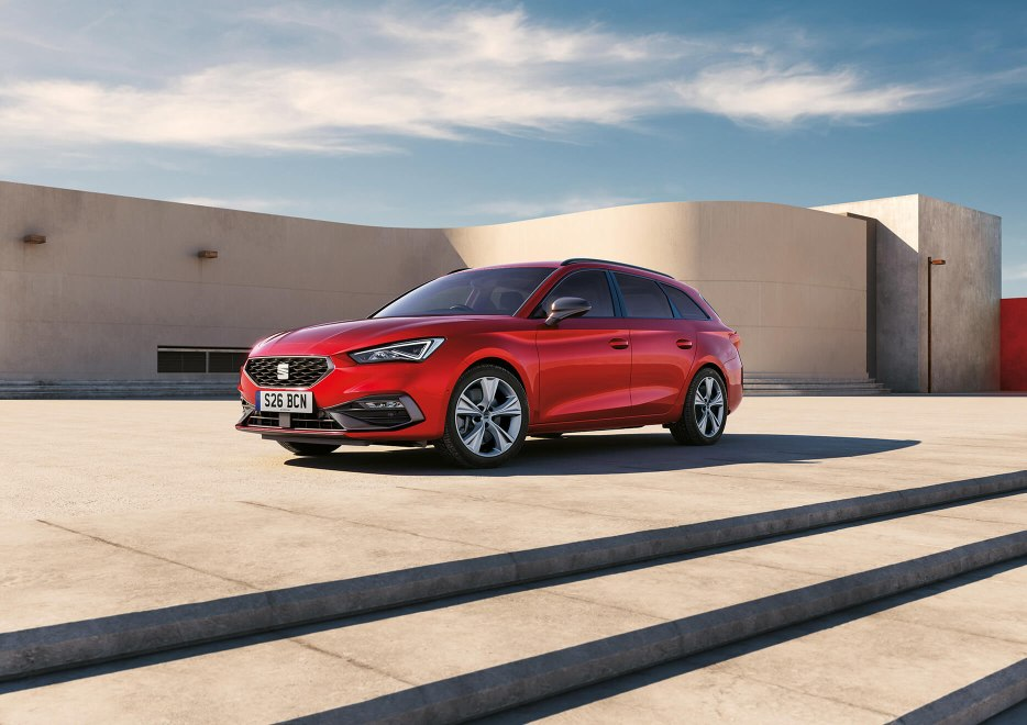 New SEAT Leon Sportstourer front of car